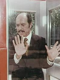 Destination Unknown – Rediscovering 'The Telephone Box' / 'La Cabina' (Spain 1972 – 35 mins)