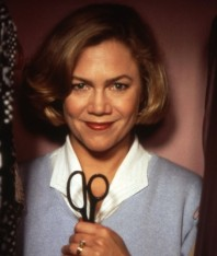 Home Sweet Home – Rediscovering 'Serial Mom' (US 1994 – 95 mins)
